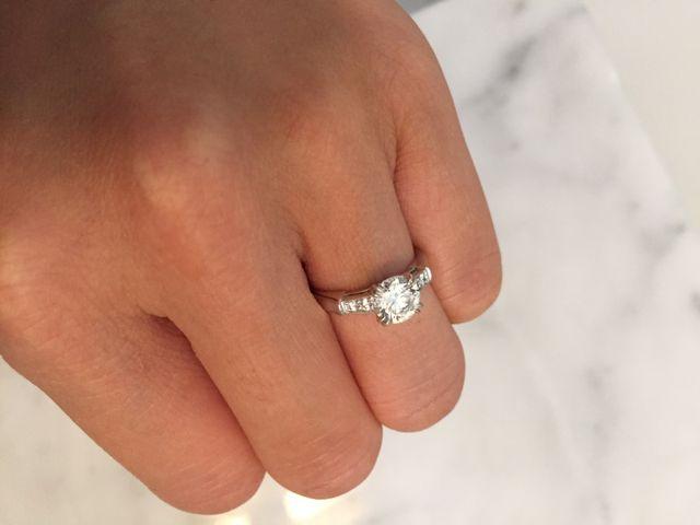 シンプルなデザインでダイヤが綺麗です。