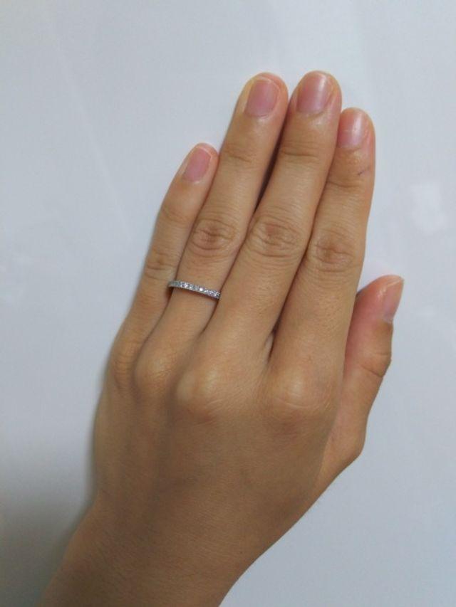 関節に合わせてサイズを検討した為、指にはめると少しぶかい。