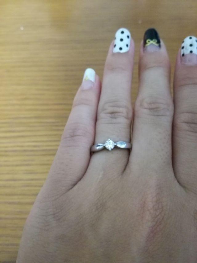 普段は結婚指輪と重ねづけすることも多いです