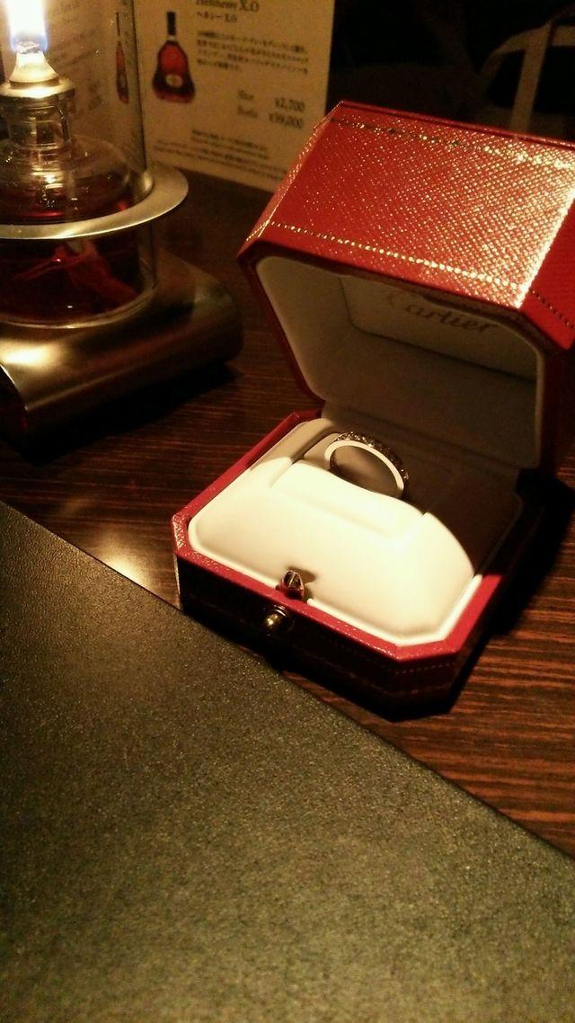 指輪をもらった夜に、ホテルのバーで.*・゚