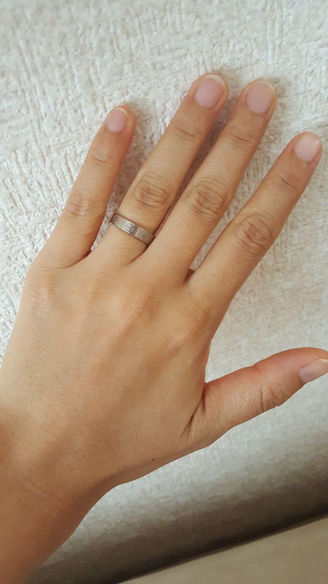 b9847906ea5ec 以前から結婚指輪はカルティエのLOVEリングで!と決めていたので迷いはな ...
