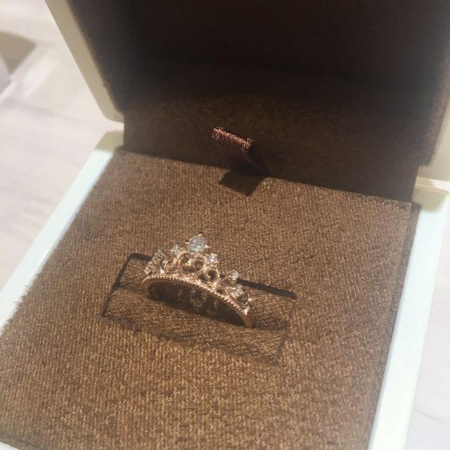 世界にひとつの婚約指輪です