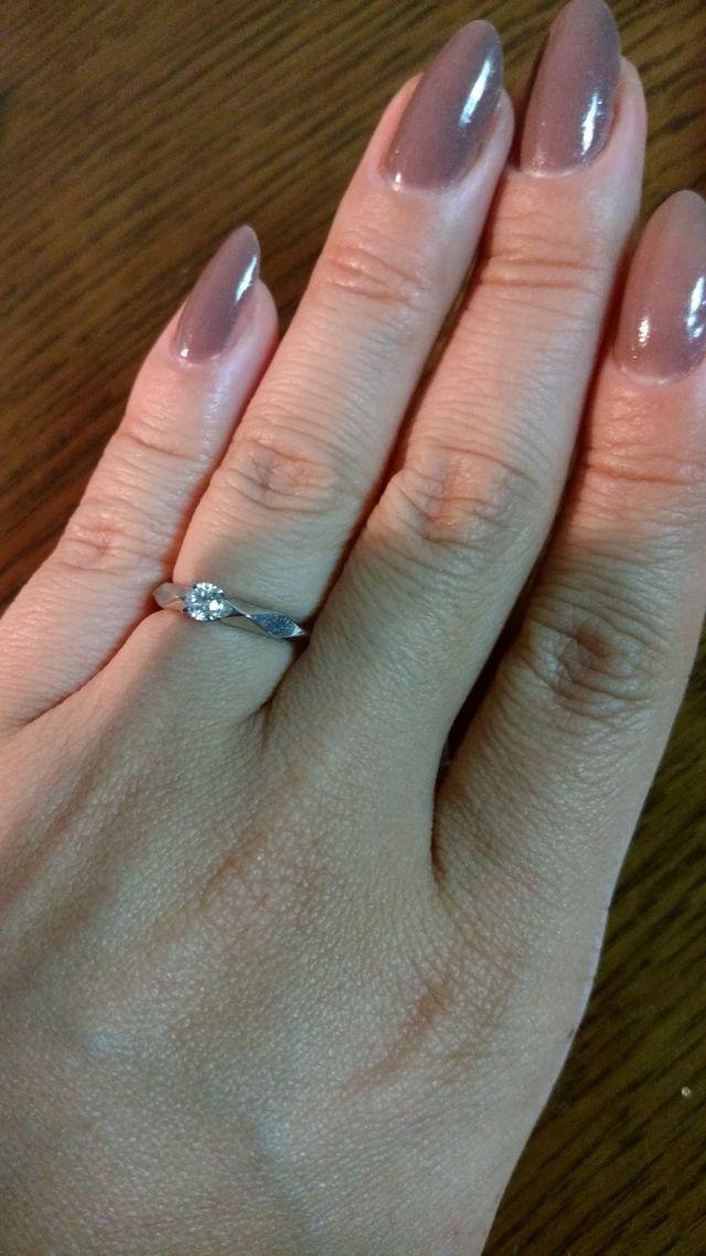けして細くはない私の指にも合うデザインでした。