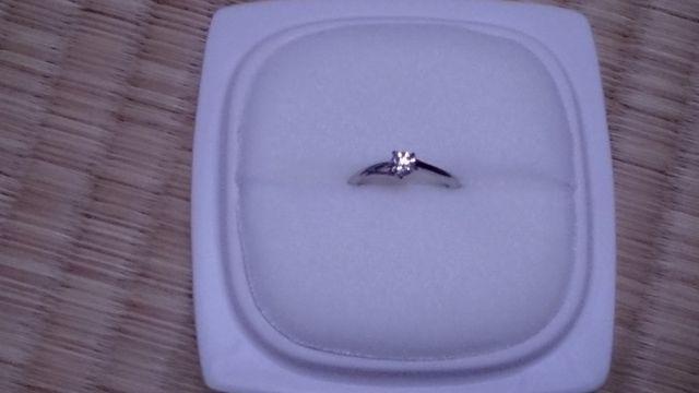スタンダードなダイヤモンドの指輪です