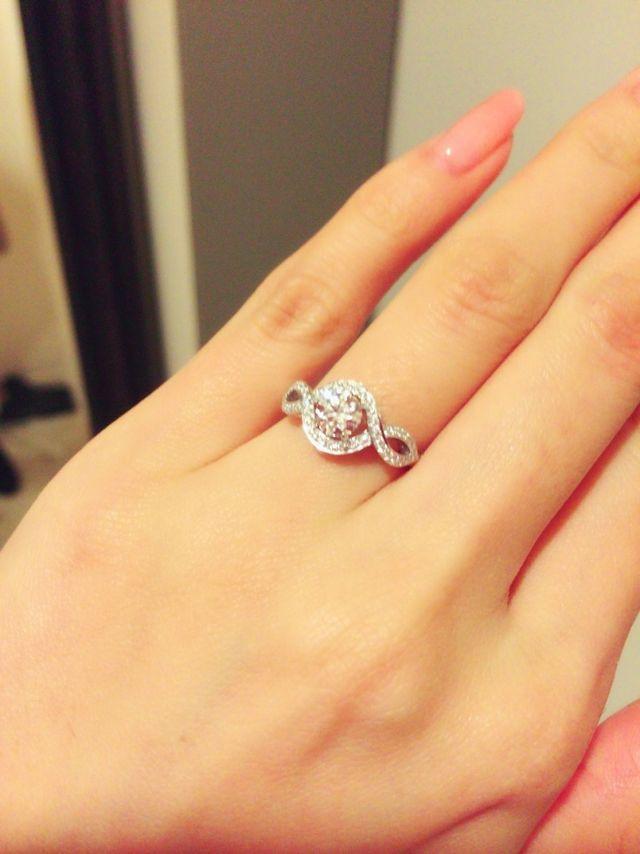 official photos 42cb5 7a732 一粒のダイヤよりも、結婚指輪と重ね付け出来て、デイリー使い ...