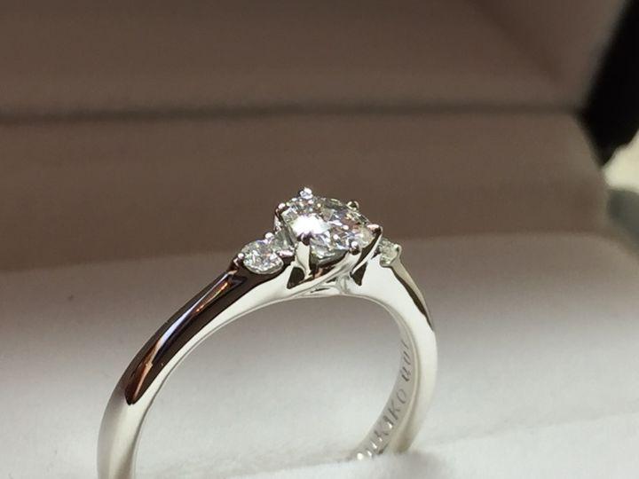 【William-LennyDiamond(ウィリアム・レニー・ダイヤモンド)の口コミ】 色々と素敵なデザインの指輪が多く迷っていましたが、飽きのこないシンプ…