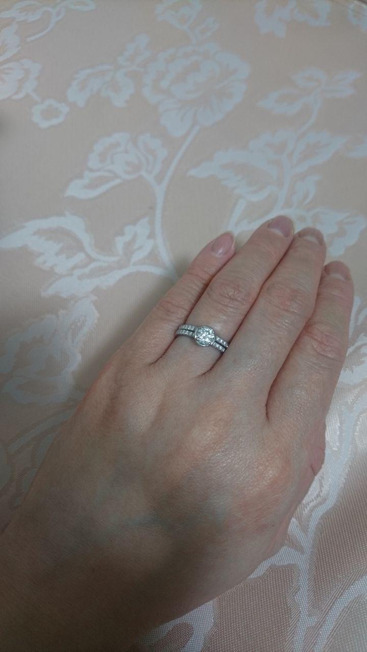 【ピアジェ(PIAGET)の口コミ】 シンプルな指輪だからこそ、キレイな輝きで即決でした。 冠婚葬祭で使える…