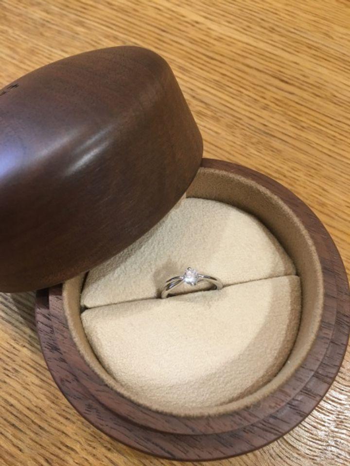 【COLANY(コラニー)の口コミ】 「婚約指輪も結婚指輪もコラニーで!」と決めてから、ブランドHPの商品ペ…