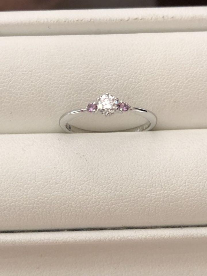 【HOSHI no SUNA 星の砂(ほしのすな)の口コミ】 ピンクサファイアをあしらった指輪を探していたのですが、他のブランドだ…