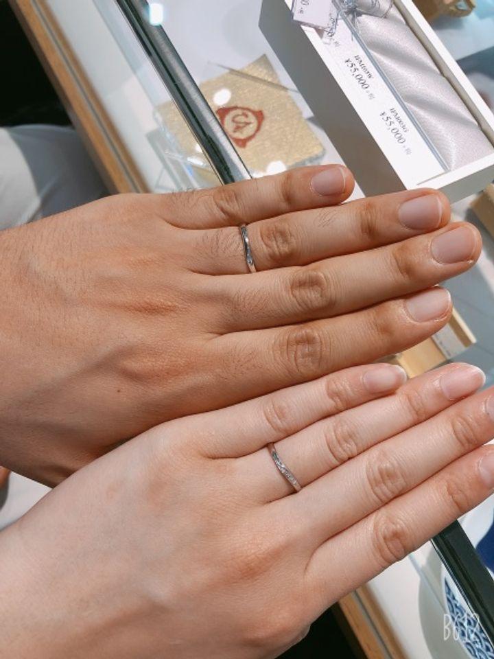 【1122 iifuufu bridal(いい夫婦ブライダル)の口コミ】 デザインはVまでいかない捻りのあるものがよく他の有名なところのものも色…