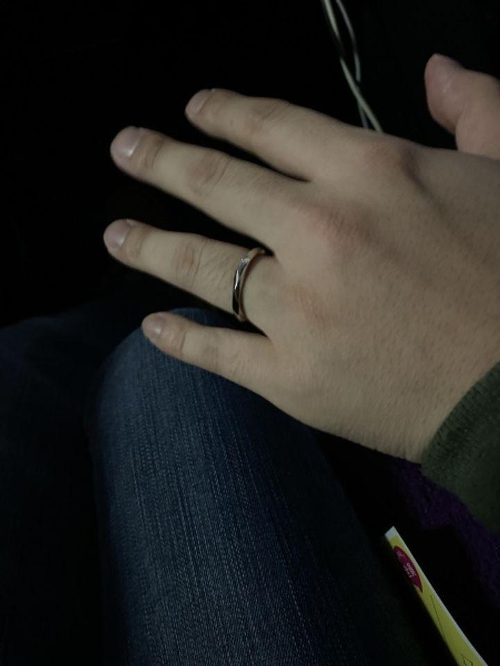 【OCTAVE(オクターヴ)の口コミ】 2人ともお互いに気に入ったデザインがあったこと。他の指輪に比べて幅があ…