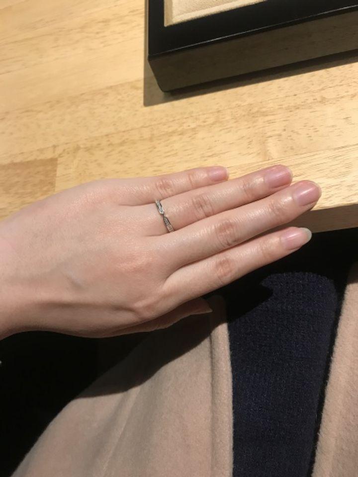 【BRIDIA(ブリディア)の口コミ】 初めて結婚指輪を見に行き、様々なタイプを着けていくなかで1番気に入った…