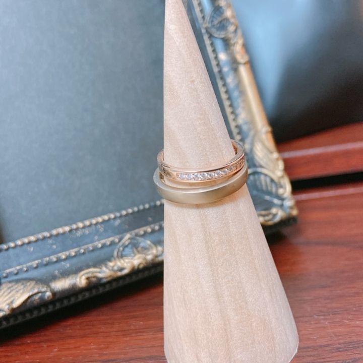 【Preuve(プルーヴ)の口コミ】 婚約指輪と重ね付けがしたかったので、試着しながら相性を見て回りました…