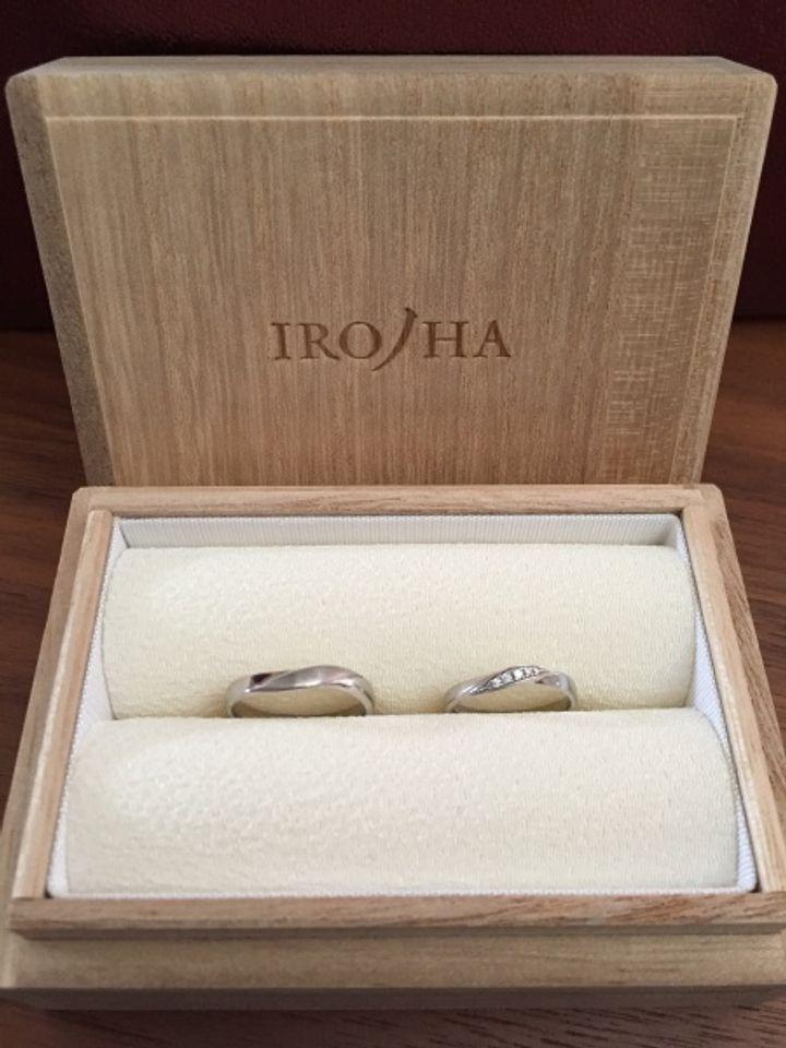 【彩乃瑞(IRONOHA)の口コミ】 ウェーブタイプのものを探していて、この指輪は見た目、付け心地ともにと…