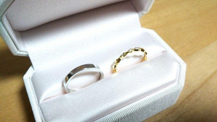 【AHKAH(アーカー)の口コミ】 購入した結婚指輪の決めてはデザインでした。 ダイヤの菱形をモチーフにし…