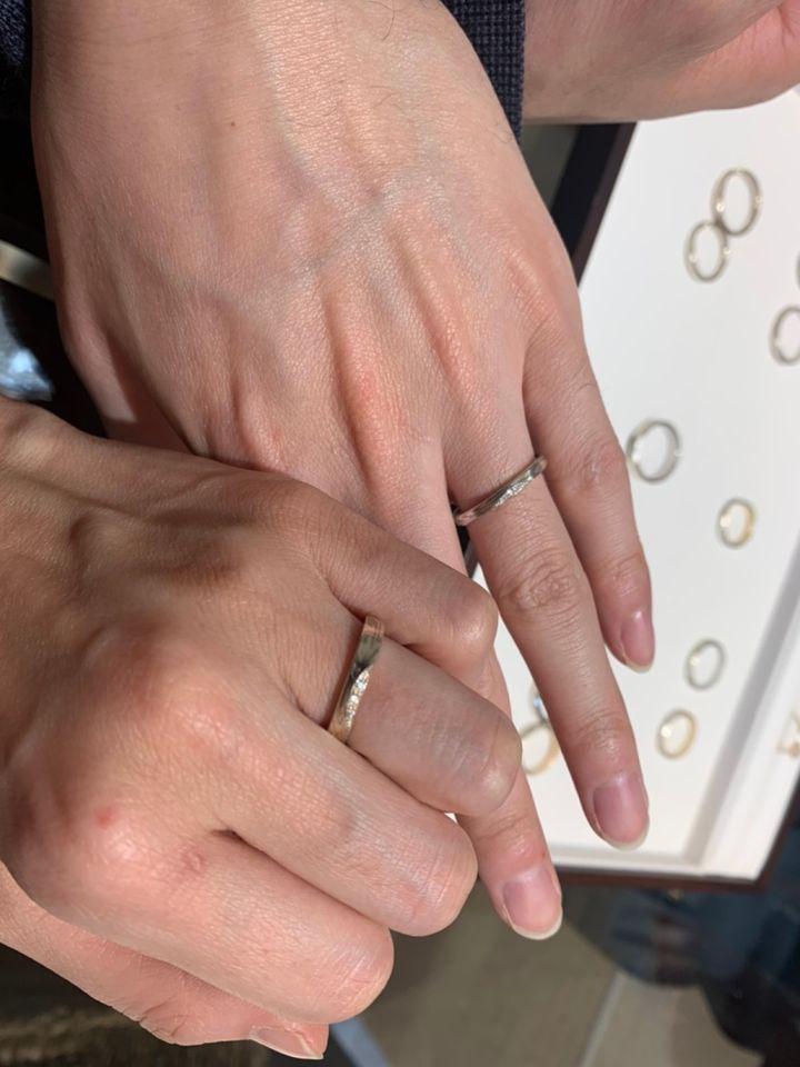 【杢目金屋(もくめがねや)の口コミ】 日本らしいモダンなデザインと洋風な要素が入り混じった指輪がすごい魅力…