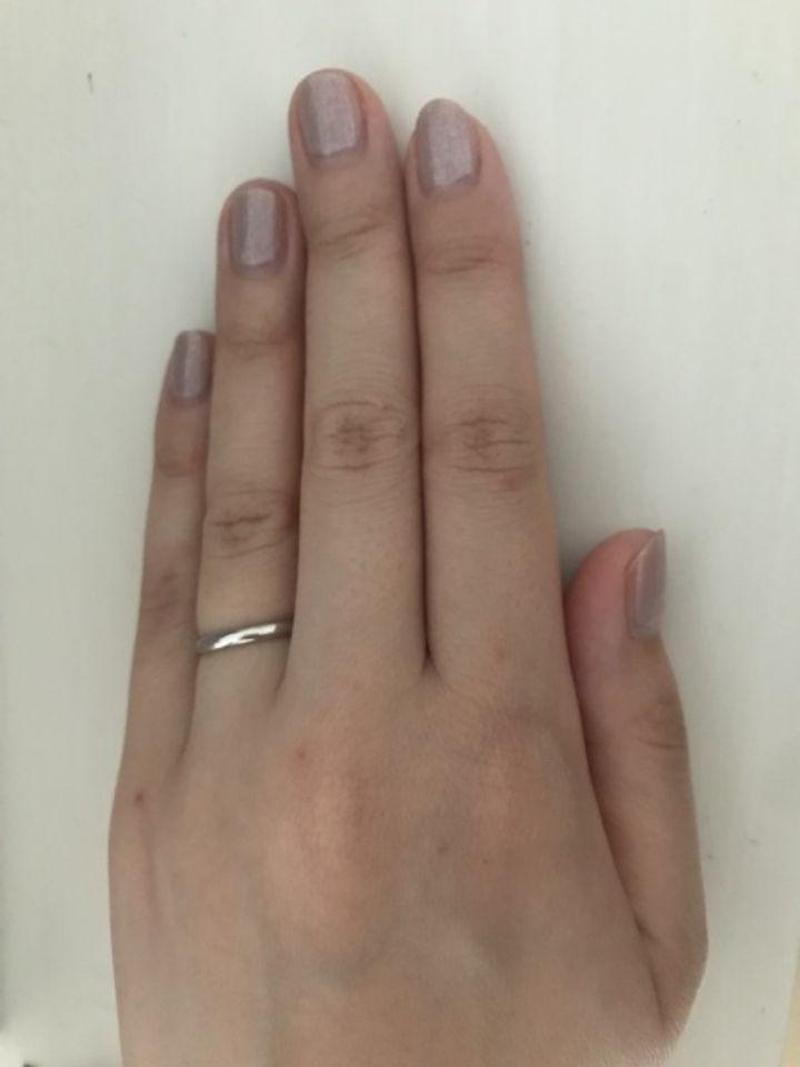 【ティファニー(Tiffany & Co.)の口コミ】 結婚指輪はティファニーと決めていました。飾りがないものが良いと思いこ…