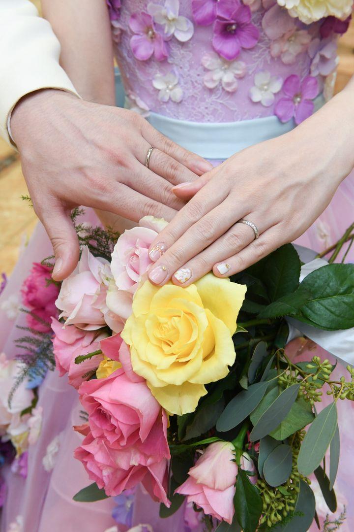 【ROYAL ASSCHER(ロイヤル・アッシャー)の口コミ】 彼女の婚約指輪と重ね付で着る結婚指輪を選びました。彼女のほうは細かい…