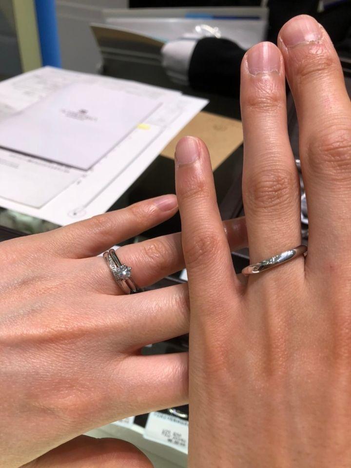 【TAKEUCHI(宝石・時計のタケウチ)の口コミ】 流れるようなダイヤモンドのラインの指輪で、指長効果抜群なのですが、実…