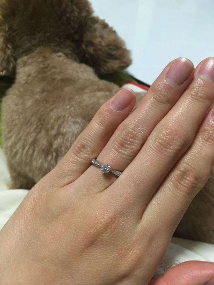 【TASAKI(タサキ)の口コミ】 婚約指輪でも、普段使いできるようにしたかったので、華奢なデザインを探…