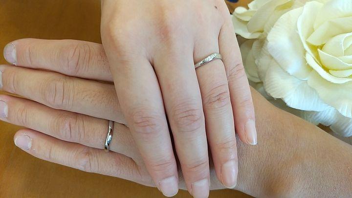 【TOWAIYOU(トワイユ)の口コミ】 指輪の内側にアースブルーダイヤモンドが入っており、実際にアースブルー…