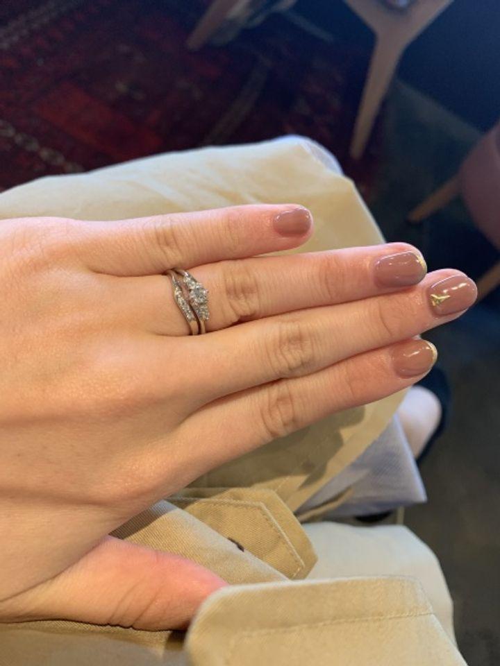【アンジェリックフォセッテ(Angelique Fossette)の口コミ】 婚約指輪、結婚指輪セットリングでとにかくお値段が安いのにもかかわらず…