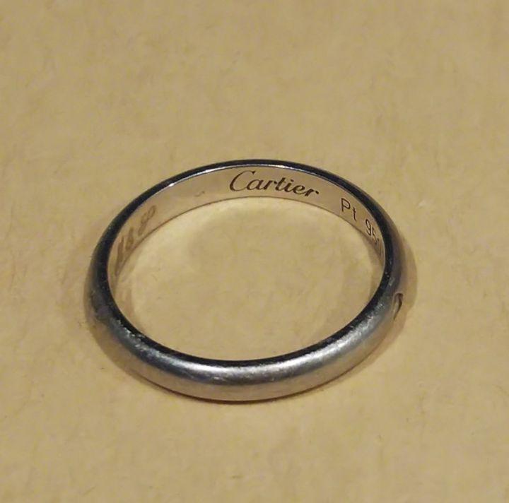 【カルティエ(Cartier)の口コミ】 シンプルなデザインで探していたのでダイヤが1つのものを選びました。 素…
