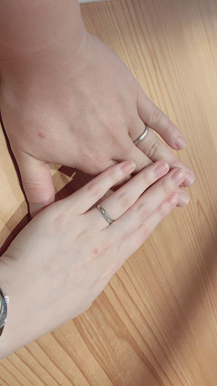 【CAFERING(カフェリング)の口コミ】 つけ心地が他のメーカーとは違ったのと、指で、ダイヤモンドの表面を触っ…