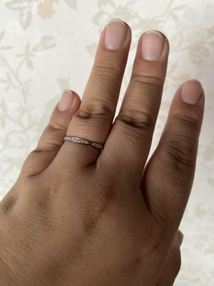 【HOSHI no SUNA 星の砂(ほしのすな)の口コミ】 ちょうど、私たちの結婚記念日と10日周年だったので指輪をさがしていま…