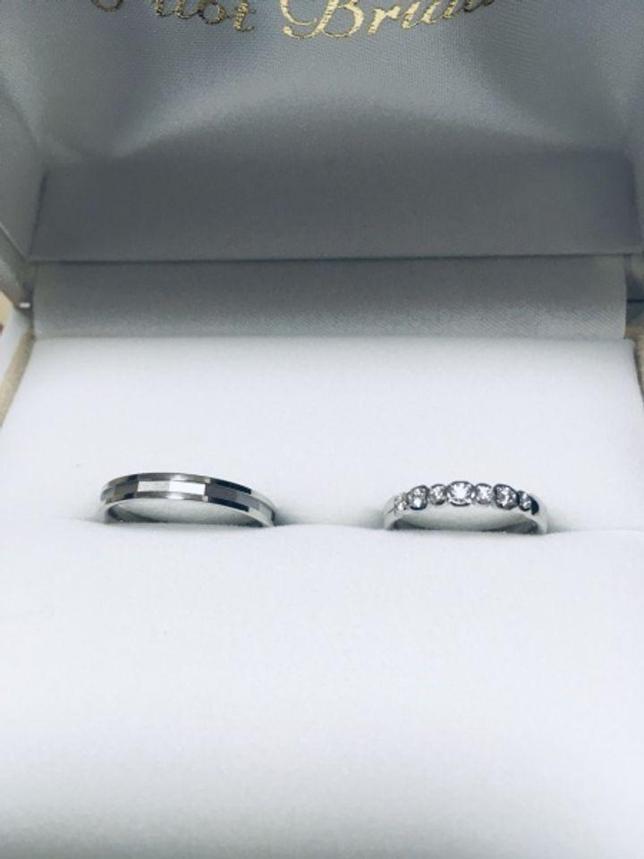 【PILOT BRIDAL(パイロットブライダル)の口コミ】 よくあるハーフエタニティの中でも大小大きさの違うダイヤが連なる珍しい…