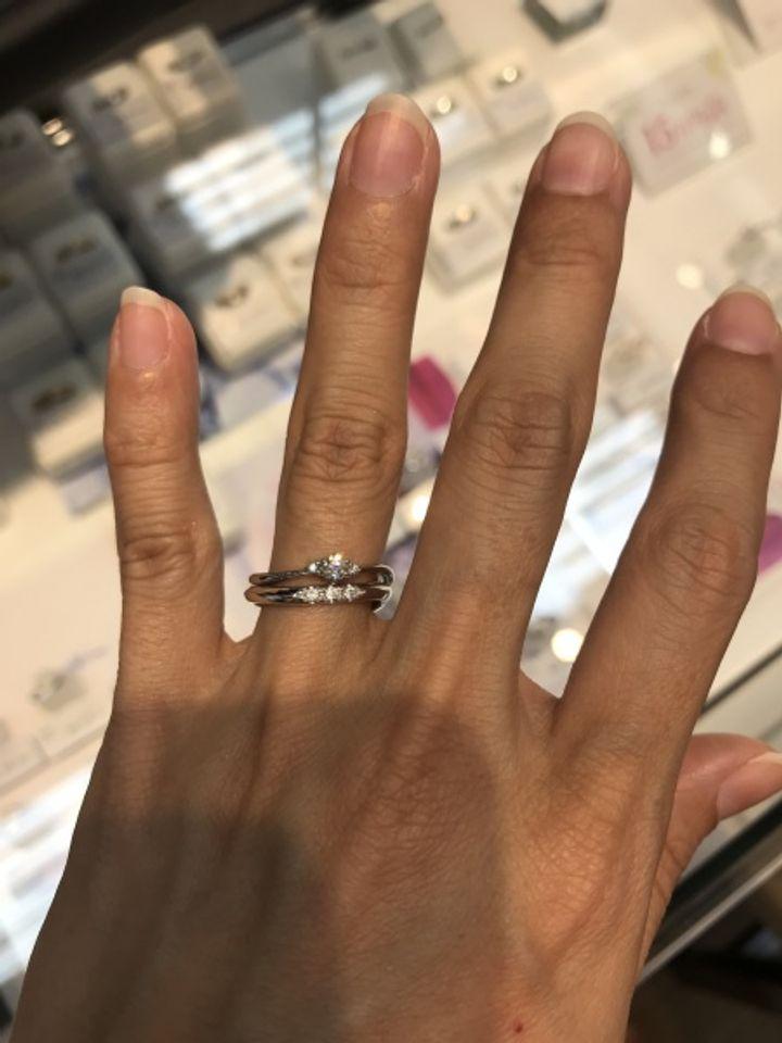 【ESTELLE(エステール)の口コミ】 結婚指輪は、ウェーブタイプのリングが好きなのでこちらは最初選択肢に入…