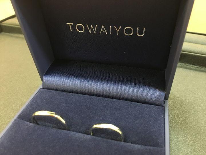 【TOWAIYOU(トワイユ)の口コミ】 ウェーブ系のデザインでダイヤが数個入っているデザインが決めてです。ま…