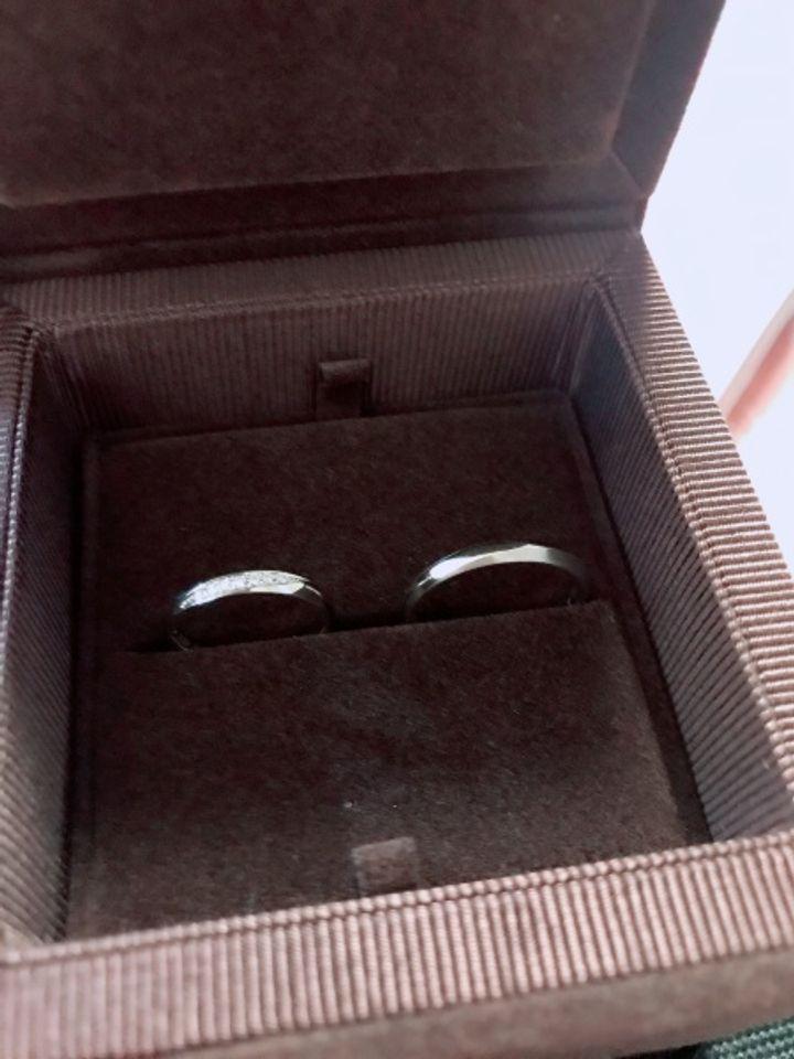 【PAVEO CHOCOLAT(パヴェオショコラ)の口コミ】 男性用も女性用もどちらのデザインもペアで気に入った為、こちらの指輪に…