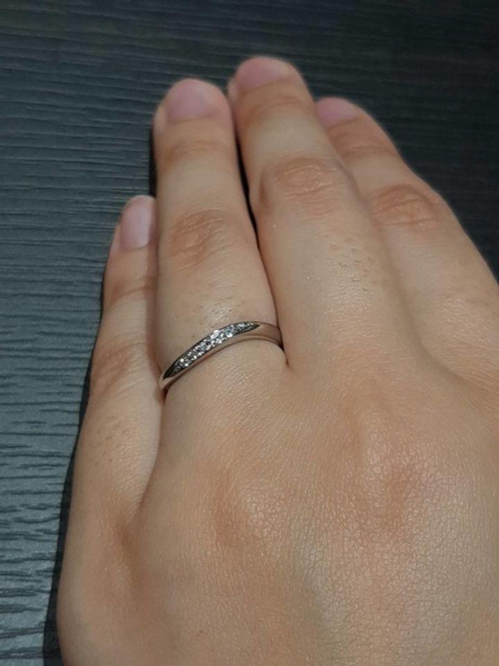 【DIYARTH(ディヤース)の口コミ】 指輪のセンターにピンクダイヤが一粒ついてあり、そこが決め手です。また…