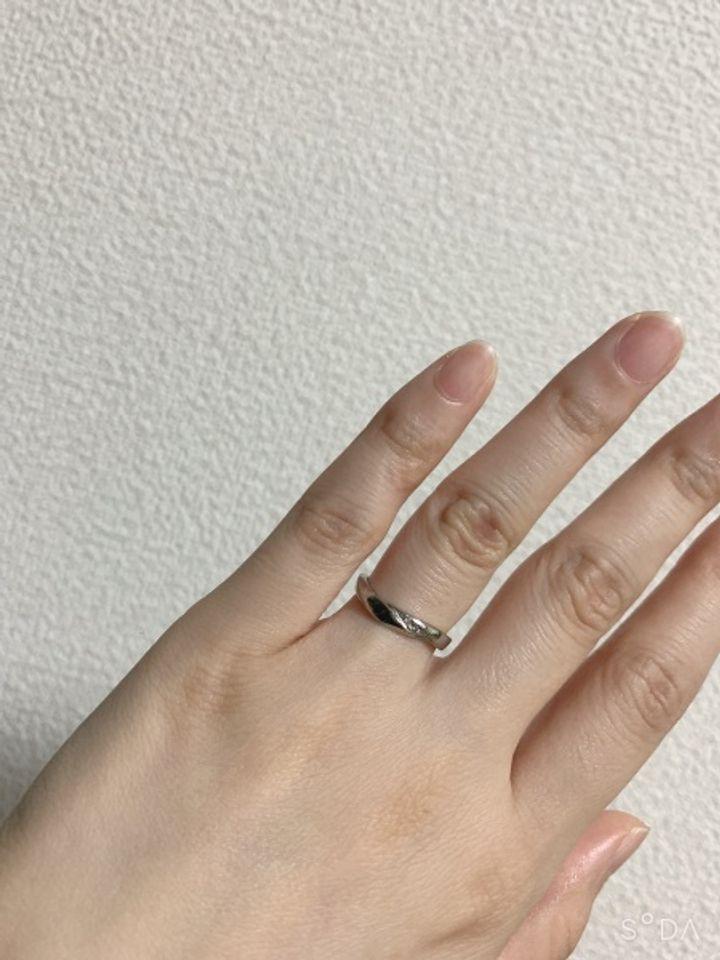 【LAPAGE(ラパージュ)の口コミ】 パートナーと意見が一致してこの指輪になりました。デザインもお洒落で気…