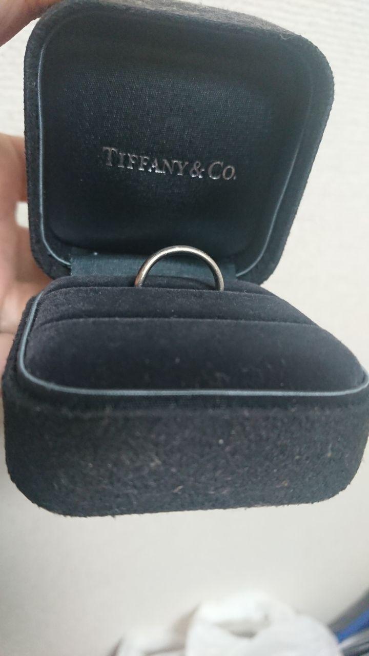 【ティファニー(Tiffany & Co.)の口コミ】 ごつごつしておらず、シンプルかつ細身で指輪が苦手な人でもつけやすいで…