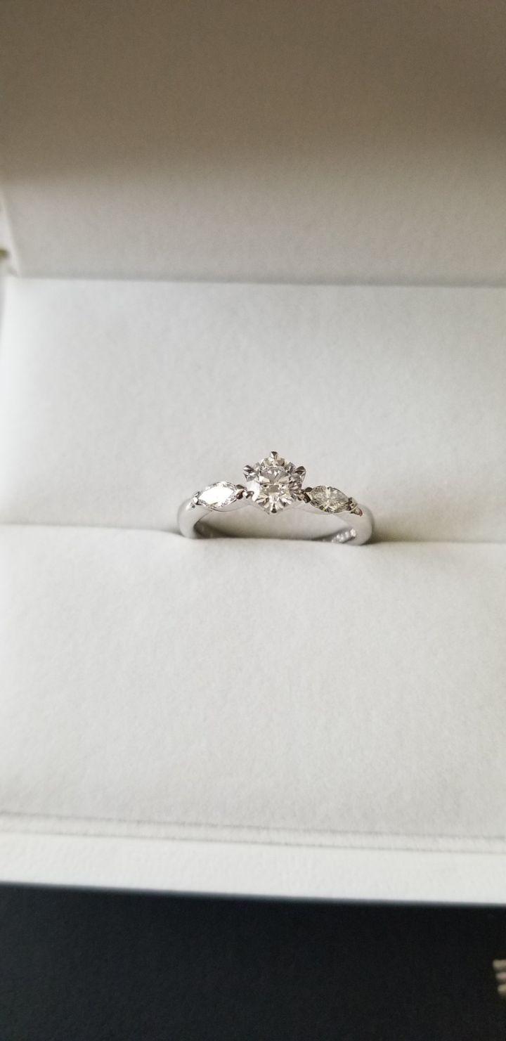 【ジュエリータナカの口コミ】 色んなお店で指輪を試着しました。インターネットの指輪購入の決め手は「…