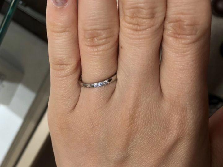 【MIKIMOTO(ミキモト)の口コミ】 ミキモトのストレートでダイアモンドが3石ついたデザインの指輪を試着させ…