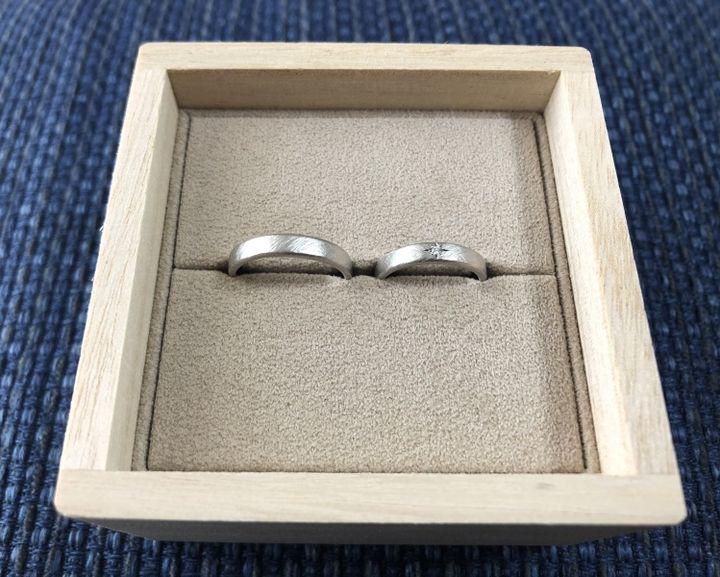【YUKA HOJO jewelryの口コミ】 シンプルなデザインですが、センターのダイヤが可愛らしく、一目惚れでし…