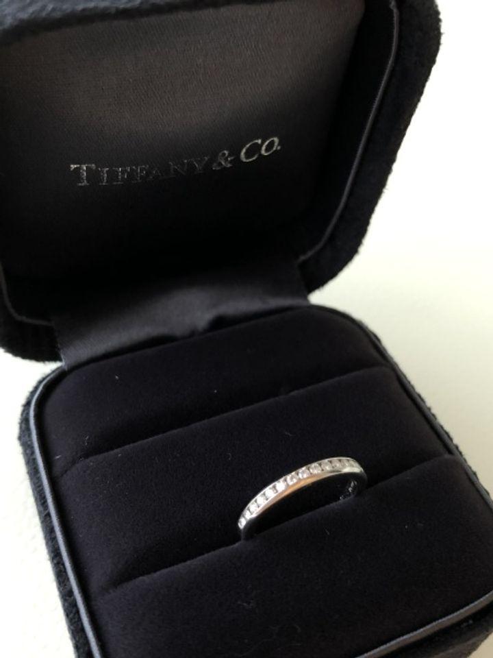 【ティファニー(Tiffany & Co.)の口コミ】 婚約指輪をティファニーでいただき、主人の意向で揃えることにしたためで…