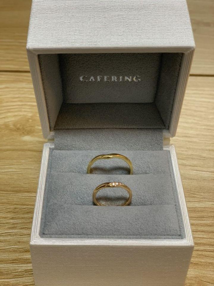 【CAFERING(カフェリング)の口コミ】 妻とは元々ゴールドがいいねという話をしてました。指が太く短い自分にと…