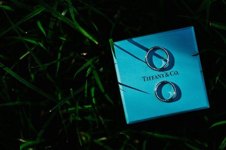 【ティファニー(Tiffany & Co.)の口コミ】 前々から結婚指輪を買うならティファニーがいい!と思っていて、彼を買う…