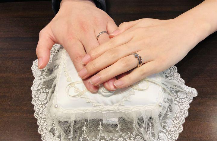 【COLANY(コラニー)の口コミ】 婚約指輪をCOLANYで貰ったのでデザインが合う同じCOLANYにしました。50年…