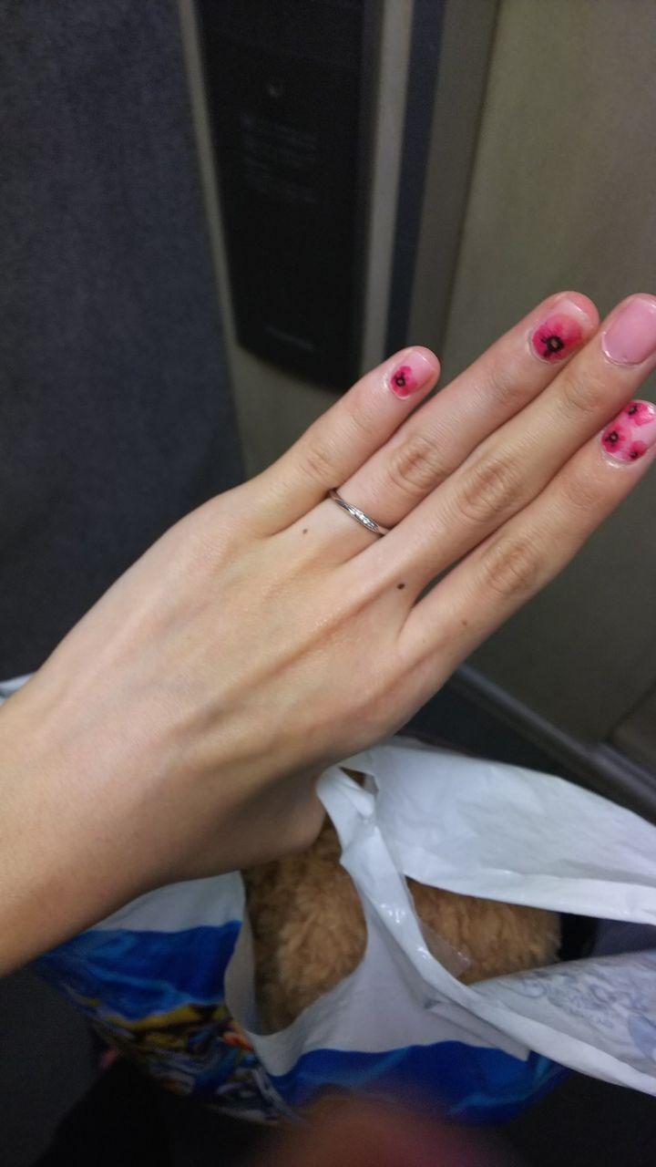 【アンジェリックフォセッテ(Angelique Fossette)の口コミ】 手が小さくて、指も細目なので、ごつごつしないような細目のデザインを希…
