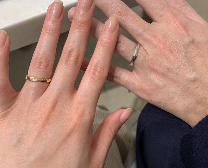 【フラー・ジャコー(FURRER-JACOT)の口コミ】 2本の糸を撚り合わせたようなデザインで、まさに「結婚」を象徴するような…