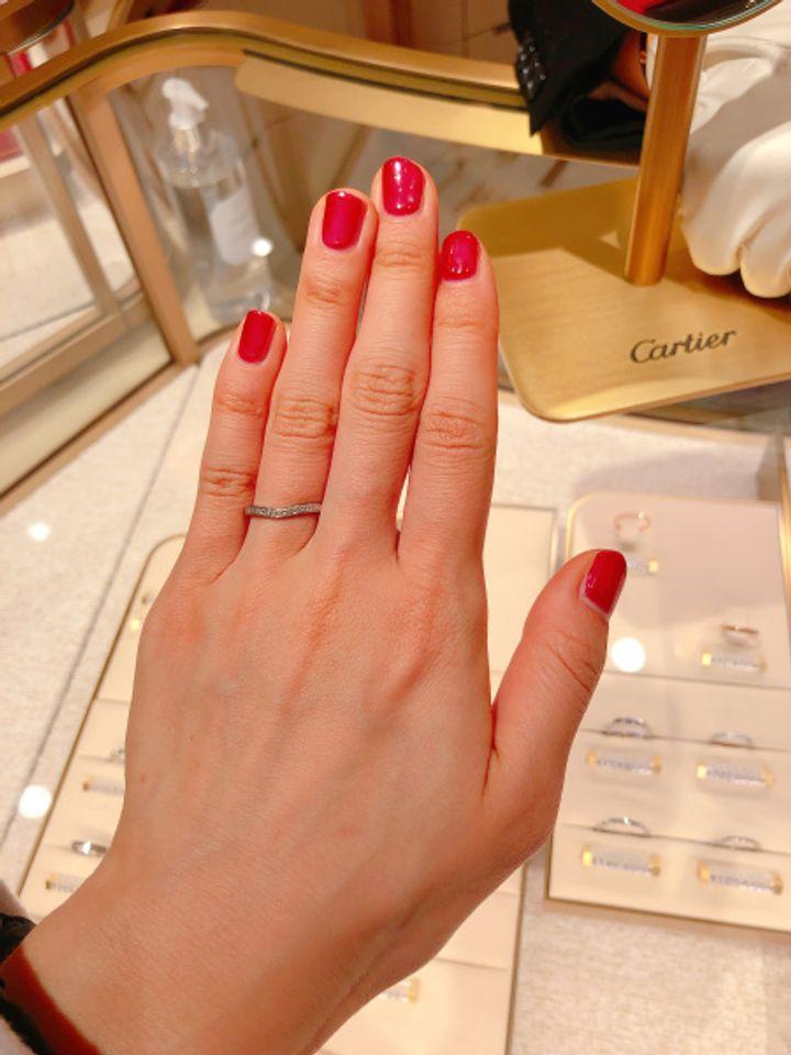 【カルティエ(Cartier)の口コミ】 人気のバレリーナシリーズのハーフエタニティ 結婚指輪にしては、ダイヤが…