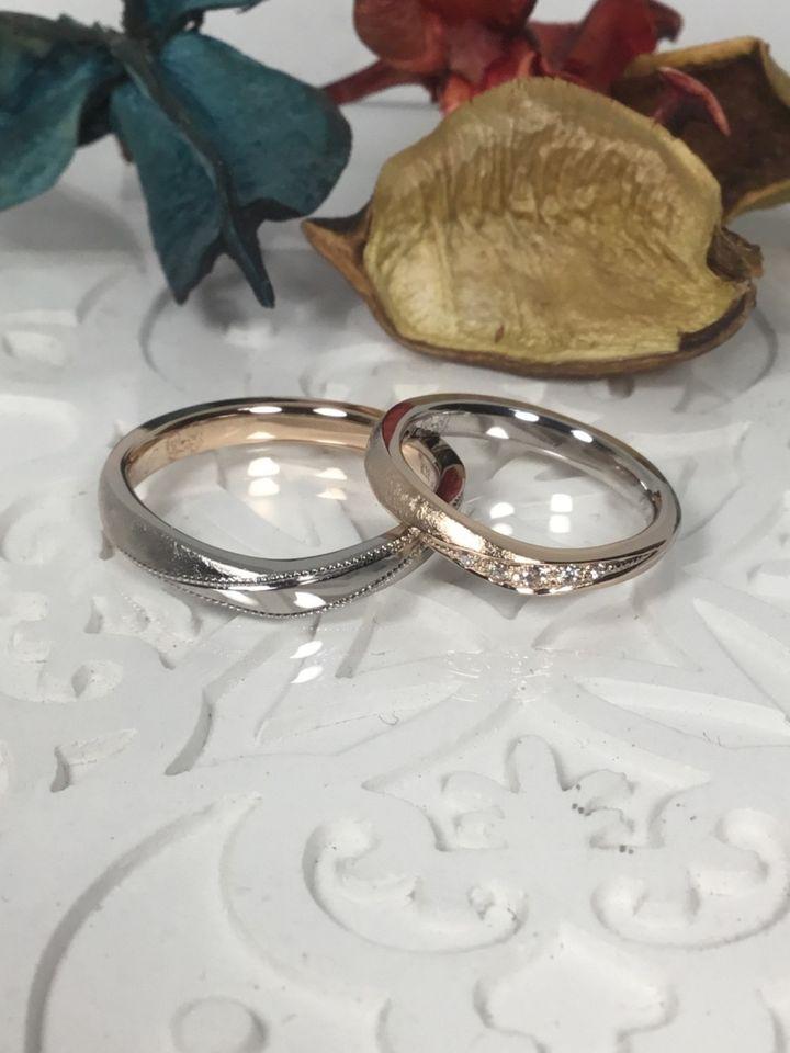 【AUROA(アウロア)の口コミ】 指輪のデザインは店舗の担当してくれた方と一緒に考えましたが、様々な案…