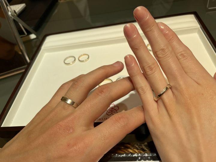 【杢目金屋(もくめがねや)の口コミ】 和風の雰囲気がオシャレな指輪です。杢目の模様が選択する材質や数によっ…