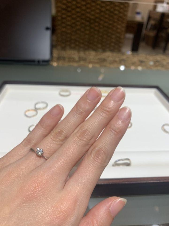 【杢目金屋(もくめがねや)の口コミ】 オリジナルのさくらカットされたダイヤモンドを使用していること、ダイヤ…