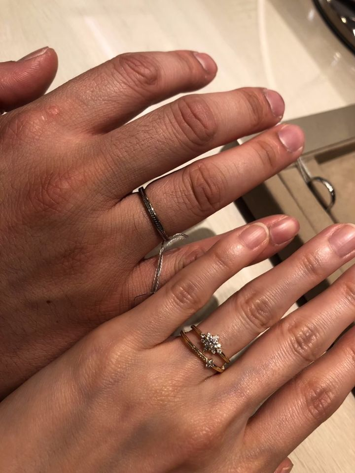 【infinitylove(インフィニティラヴ)の口コミ】 婚約指輪とお揃いの結婚指輪のデザインで、セットとして付けることで、一…